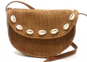 Y-C2.4 BAG541-002A Straw Bag with Shells 20x13.5x5cm Brown