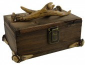 X-P5.1 #34781 Wooden Box with Polyester Deer Antlers 22x17x15cm