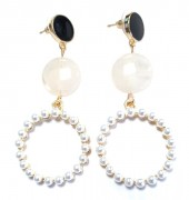 C-F22.1 E1631-078A Earrings with Pearls 5x2.5cm